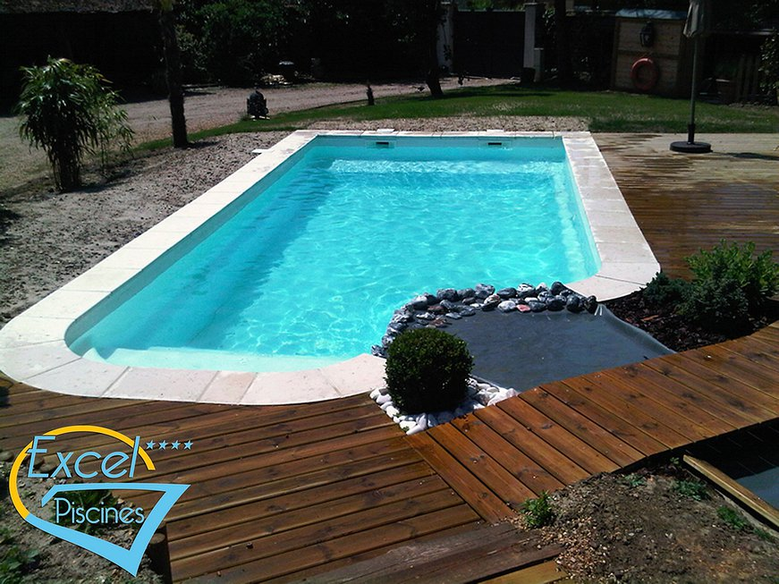 piscine paysage nos produits coques polyester fond plat. Black Bedroom Furniture Sets. Home Design Ideas